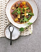 Lamb ragout with spring onions and green beans