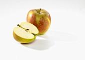 Whole apple and half apple (Karmijn)