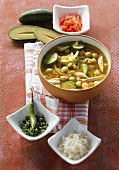 Vegetable soup with avocado, chick-peas and chicken (Mexico)