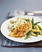 Chicken breast with mustard sauce, mashed potato & vegetables