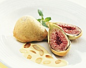 Baked figs with almond sauce