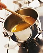 Caramelising sugar