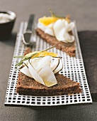 Pumpernickel with radish and fruit syrup