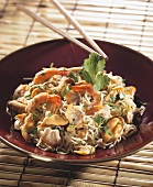 Noodle salad with seafood (China)