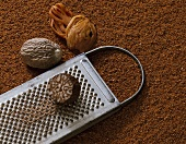 Nutmeg, grated, with grated and mace