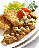 Strips of chicken with mushrooms and rosti