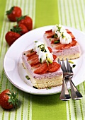 Strawberry cream slices with cream and pistachios