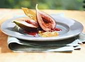 Fichi marinati (marinated figs with raspberry sauce, Italy)