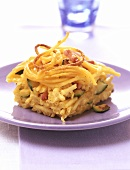 Pasta bake with courgettes and ham