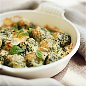 Spinach gnocchi with basil
