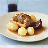 Veal roulades in white wine sauce with potatoes & carrots