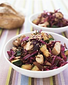 Red cabbage salad with chicken, courgettes and sesame