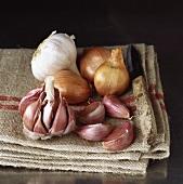 Shallots and garlic on jute