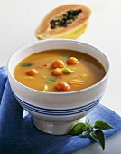 Spicy papaya soup with vegetables