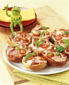 Ham, cheese and tomato pizza rolls for children