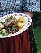 Garetto di agnello con le castagne (Lammhaxe mit Kastanien)