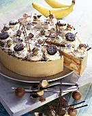 Coffee cream cake with bananas