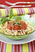Spaghetti with pepper pesto
