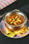 Curried lentil soup with croutons