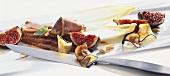 Feigensalat mit Entenbrust und Auberginenchips