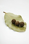 Allspice on bay leaf