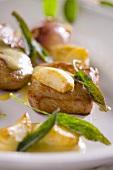 Saltimbocca alla contadina (Escalopes with garlic & sage)