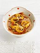 Tortellini in vegetable sauce