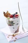 Joghurtmüsli mit frischen Beeren