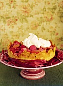 Rhubarb tart with cream