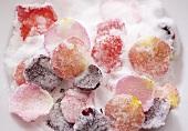 Gezuckerte Rosenblütenblätter