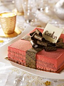 Cotillon rouge (Christmas cake, France)