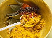 Spices for vegetables and side dishes (chilli powder, chilli flakes, pepper)