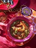 Gumbo (Suppe mit Okraschoten und Garnelen, Louisiana)