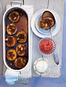 Baked quinces in caramel sauce