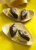 Almond brittle with chocolate glaze