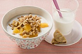Fig muesli with oranges