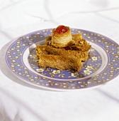 Konafa mit kandierten Kirschen (süsses Gebäck aus dem Orient)