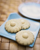Biscuits made using rice milk