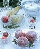 Gezuckerte Birnen, Äpfel und Zieräpfel