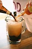 Mumma (Schwedisches Getränk aus Porter, dunklem Bier & Limo)