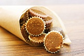 Almond toffees