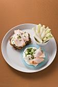 Horseradish quark and turkey breast on wholemeal bread, kohlrabi sticks