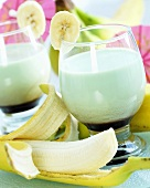 Banana cocktails with Curacao