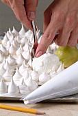 Making meringue cakes