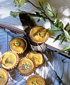 Tartlets with meadowsweet