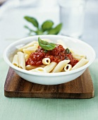 Penne all'arrabbiata (Wholemeal penne in spicy sauce)