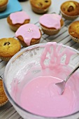 Pink icing for fairy cakes