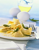 Home-made tortelloni with butter and sage