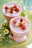 Wild strawberry mousse with flaked almonds