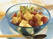 Mango salad with grapes